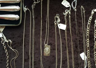 Angela Gigg Antiques & Collectables